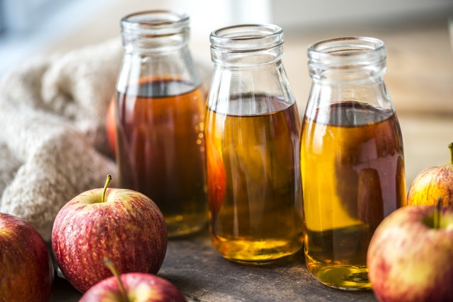 how-washing-hair-with-apple-cider-vinegar-with-zero-side-effects